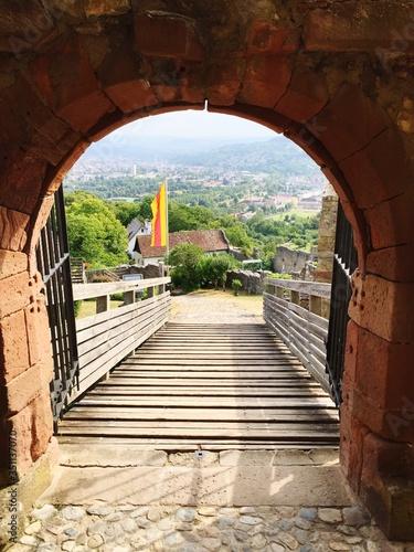 Billede på lærred Archway Leading Towards Steps