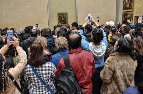 Gente tomando foto a La Gioconda Canvas Print