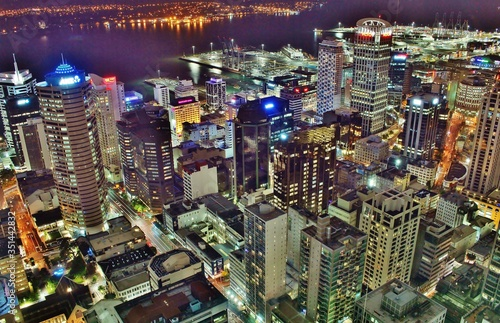 Photo Stunning Shot of Auckland City Center from above