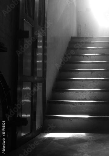 Carta da parati Sunlight Falling On Staircase In Building