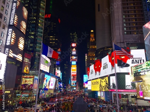 Obraz Times Square Lit Up At Night - fototapety do salonu