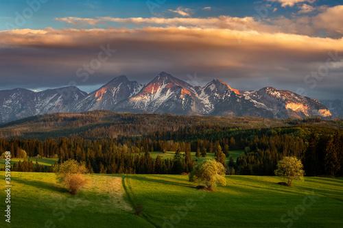 Obraz Beautiful spring sunset at Tatra mountains in Poland - fototapety do salonu