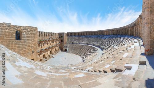 Roman amphitheater of Aspendos, Belkiz - Antalya, Turkey. Fototapete