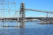 Eads Bridge Under Construction...