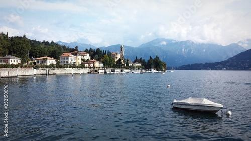 Valokuva Scenic View Of Lake Como Against Sky