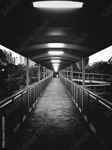 Canvastavla Illuminated Footbridge