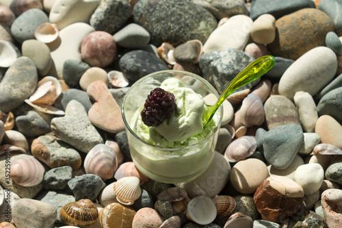 ice cream with dewberry on the beach Slika na platnu