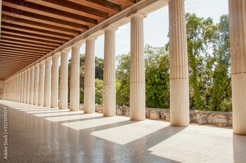 Canvas Print Colonnade On Historic Building