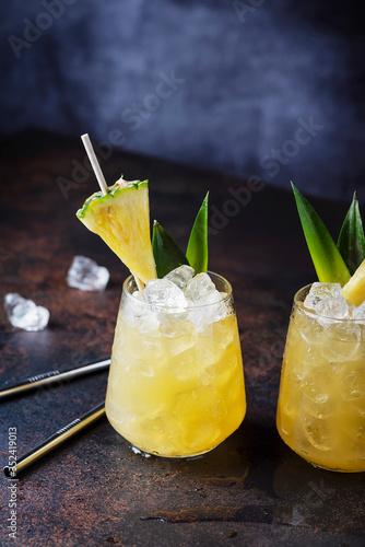 Fototapeta Summer cocktail and bar concept obraz