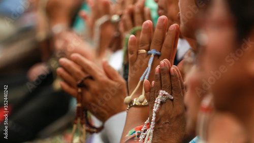 Fototapety, obrazy: People Praying At Temple