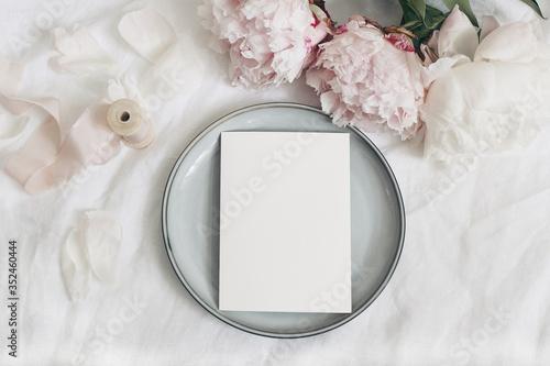 Fotografía Wedding still life, menu mockup scene scene