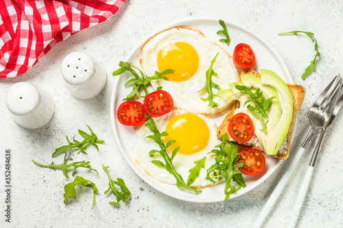 Fototapety, obrazy: Healthy breakfast with egg, toast and salad.