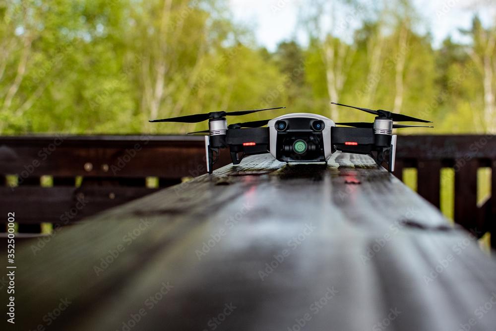Fototapeta Dronem przez świat