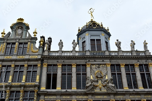 Facade of old Guild Houses at the Grand Place, the central square in Brussels, Belgium Poster Mural XXL