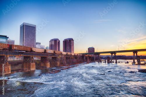 Fototapeta downtown skyline on the James River. Richmond, Virginia