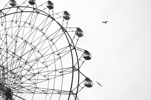 Obraz Low Angle View Of Giant Wheel Against Clear Sky - fototapety do salonu