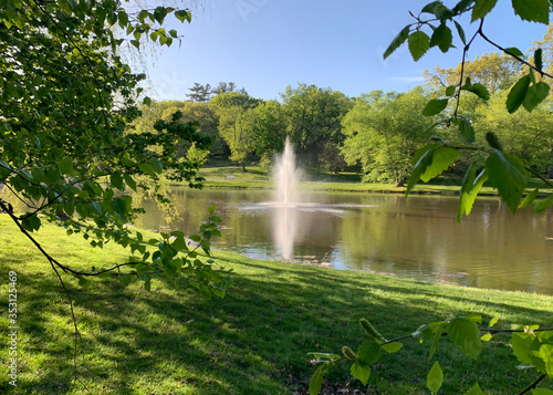 Photo Beautiful day at Larz Anderson Park in Brookline, Massachusetts, United States