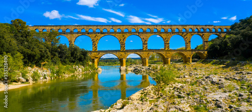 Fotografía pont du gard- french bridge touristic, gard