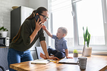 Freelancer Mother Trying To Wo...