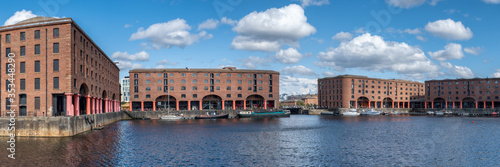 The Royal Albert Dock in Liverpool Fotobehang