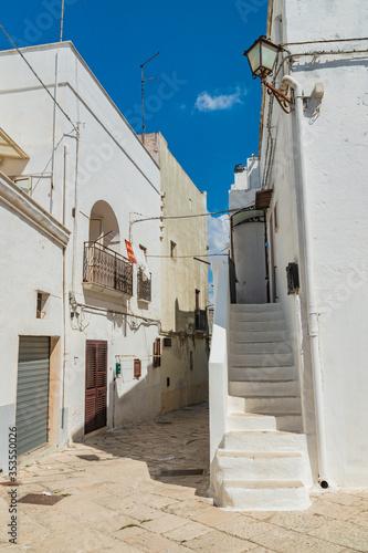 Fotografie, Obraz Alleyway. Mottola. Puglia. Italy.