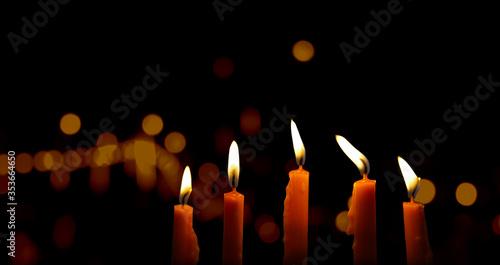 candles in the dark Billede på lærred