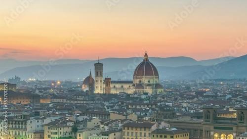 Fotografía Florence Italy time lapse 4K, city skyline day to night timelapse