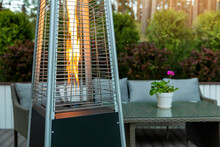 Outdoor Gas Pyramid Heater Wor...
