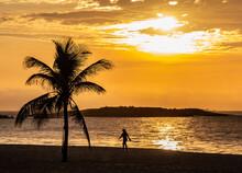 Nascer Do Sol Na Praia Da Costa - Vila Velha - ES