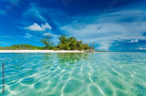 Cuadros en Lienzo Clear waters of an islet in Bimini. Low Angle Shot.
