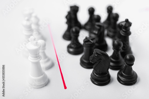 Cuadros en Lienzo Comparison of poor and rich, black and white in the form of chess pieces
