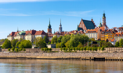 Panoramic view of Warsaw, Poland, city center and Old Town quarter with Wybrzerze Gdanskie embankment at Vistula river