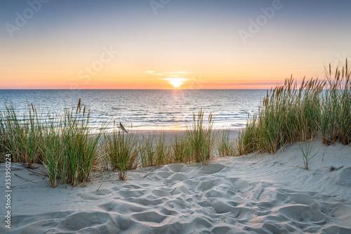 Sunset at the dune beach Billede på lærred