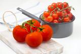 Świeże pomidory czerwone owoce