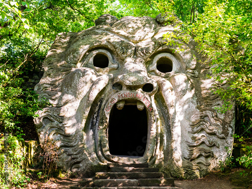 Cuadros en Lienzo Stunning view of Orcus Mouth, a grotesque sculpture at famous Park of the Monste