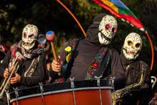 Banda De Esqueletos, Protestas...