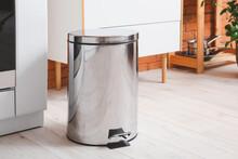 Clean Trash Bin In Modern Kitc...
