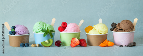 Photographie Various colorful ice cream sorts with fruits
