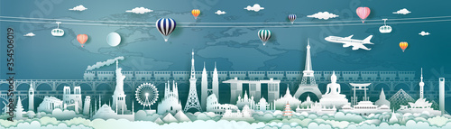 Cuadros en Lienzo Travel landmarks world with world map background.