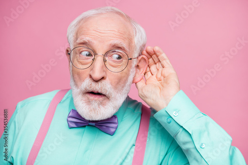 Closeup photo of attractive grandpa hand near ear listen rumors focused chatterb Fotobehang