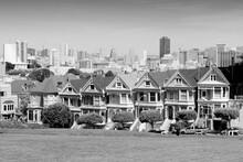 San Francisco Skyline. Black A...