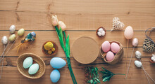 Easter Concept Photo. Eggs Col...