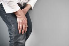 Knee Pain In The Elderly. Oste...