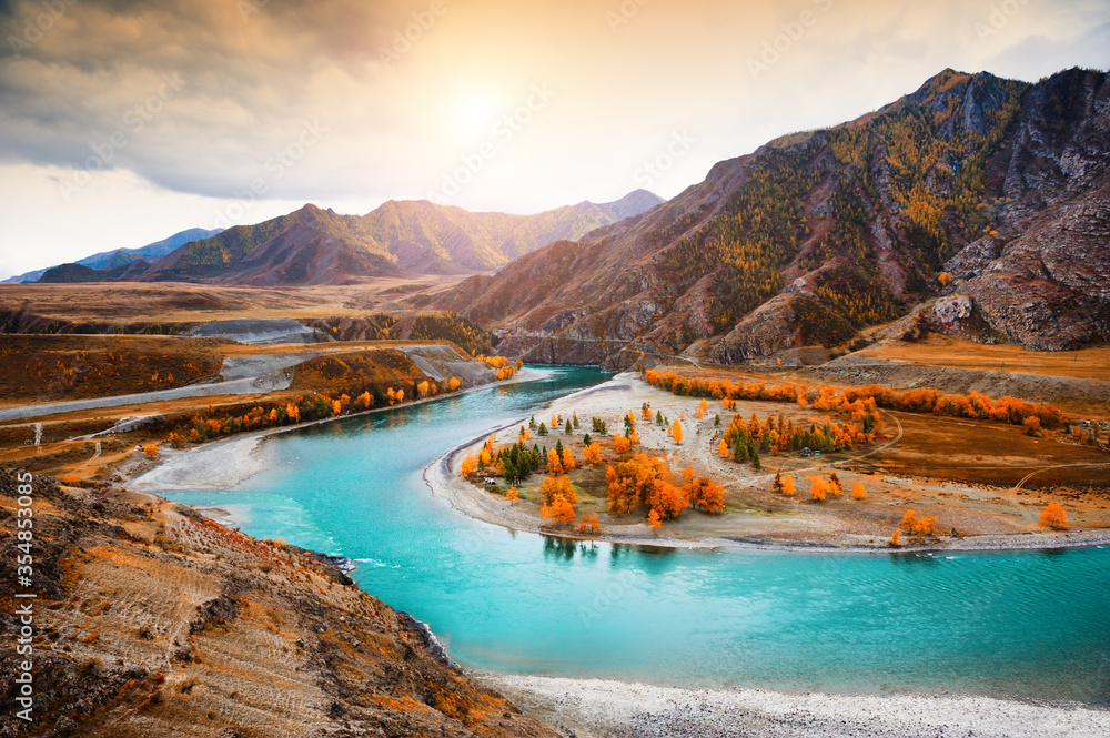 Fototapeta Confluence of Chuya and Katun rivers in Altai mountains, Siberia, Russia. Autumn landscape. Famous tourist destination
