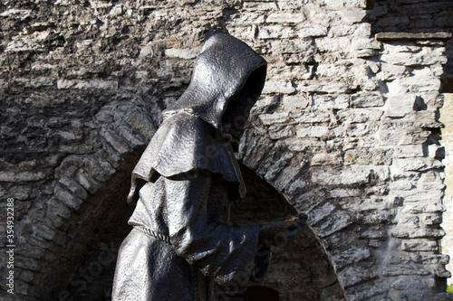 Sculpture and statue in Tallinn Canvas-taulu