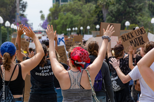 Obraz San Diego, California. June 1st, 2020. San Diego City College Students organized a pacific protest for justice on the murder of George Floyd in Minneapolis on May 25, 2020. - fototapety do salonu