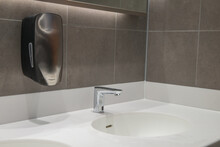 Modern Wash Hand Basin With Au...