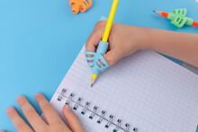 Ergonomic Training Pencil Hold...