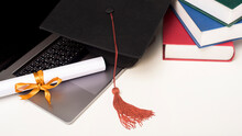 Graduation Cap With Laptop Com...