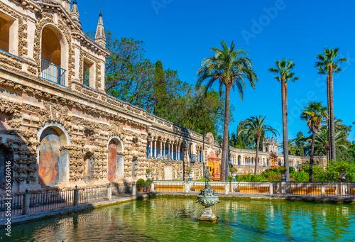 Fotografiet Mercury fountain at the real alcazar de Sevilla in Spain